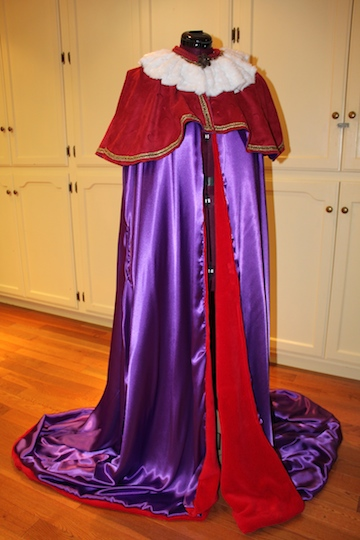 how to make a cape, make a cape, royal cape, simplicity pattern